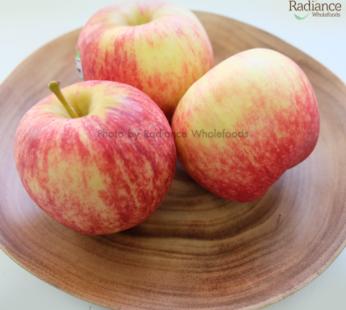 Organic Royal gala, Red Apple 1 Pcs